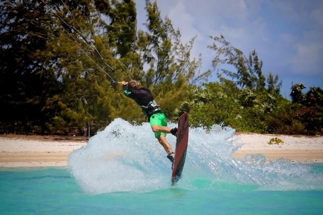 Nauka kitesurfingu – o czym należy wiedzieć?