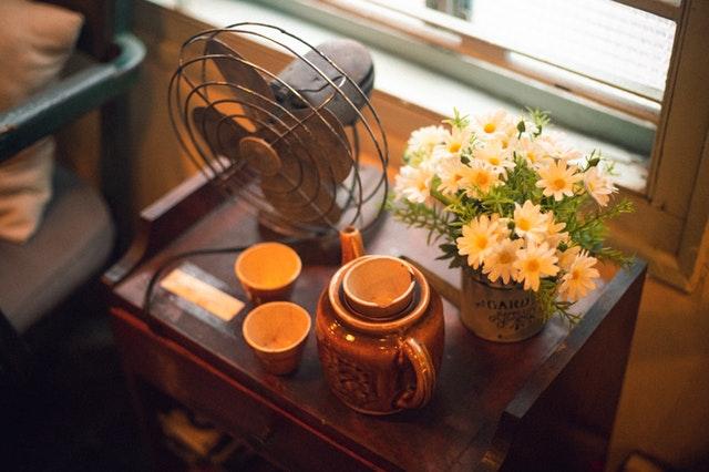 Jak ochłodzić mieszkanie w czasie upałów