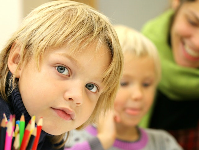 Strach przed szkołą, czyli jak oswoić pierwszoklasistę z nową sytuacją